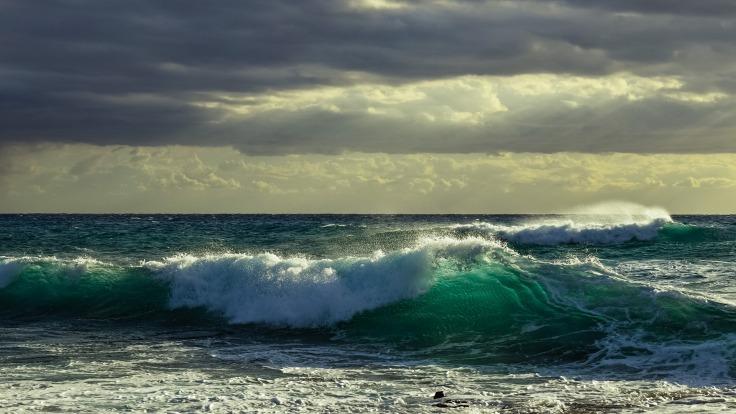 wave-2968878_1920