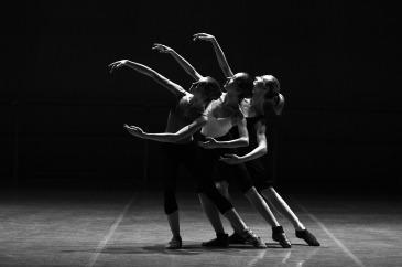 ballet-1376250_1920